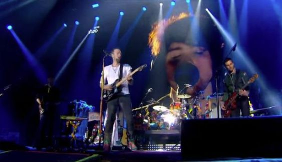 Coldplays-tribute-to-Viola-Beach