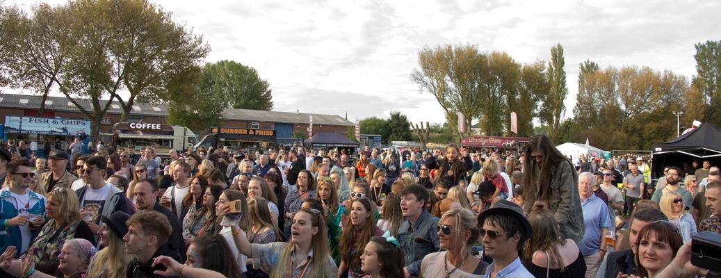 RivFest Crowd