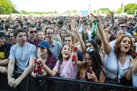 Neighbourhood Weekender crowd 2
